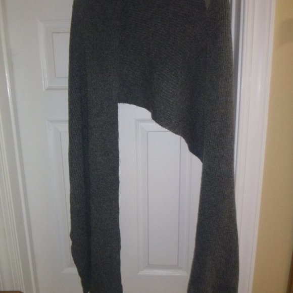 """H&M Accessories - Women's Large 85"""" x 18"""" Gray Scarf / Wrap"""